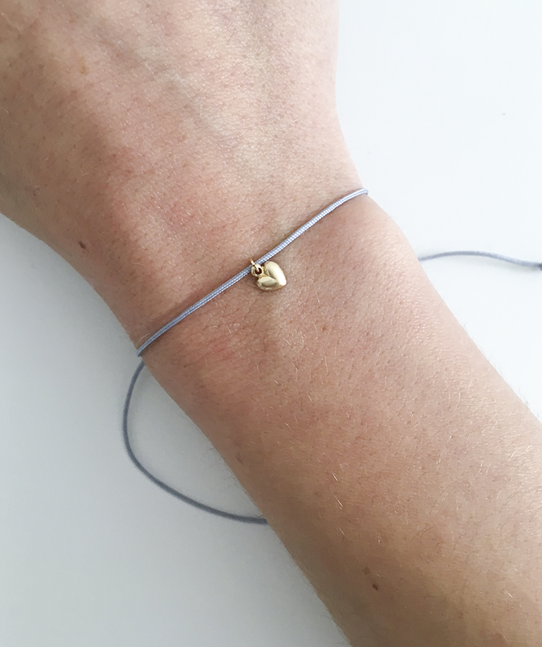 Armbandje goud met hartje en nylon - little heart blue